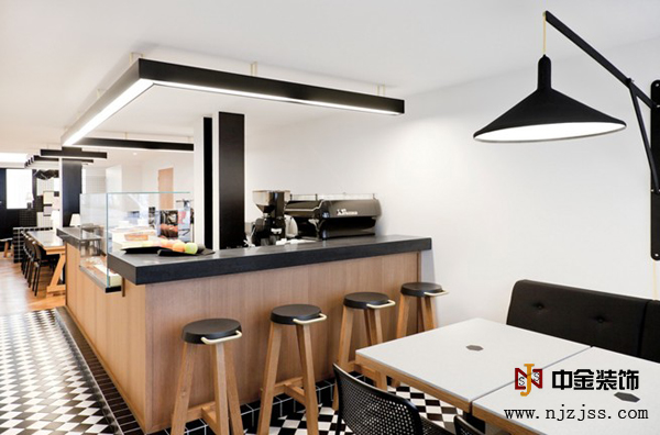 办公室装修成咖啡厅风格,员工工作效率明显提高!